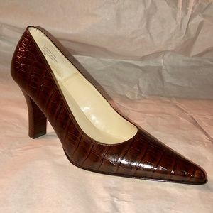 Anne Klein Leather Reptile Look Pumps